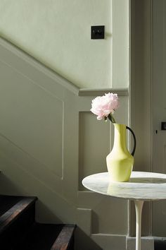 love these green paint colours for hallways - pale soft green for the upper wall and deeper grey green for dado, archetrave and doorway. Click through for more green paint colours for hallways you'll love Dado Rail Living Room, Dado Rail Hallway, Grey Hallway, Hallway Paint Colors, Green Paint Colors, Wall Colors, Hallway Colour Schemes, Hallway Inspiration, Interior Inspiration