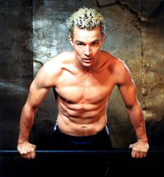 Spike - Buffy the Vampire Slayer and Angel Wiki, Buffy_spike_his_musculation.jpg