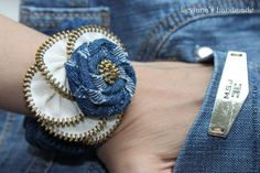denim n zipper bracelet Diy Denim Bracelets, Fabric Bracelets, Fabric Jewelry, Bracelets For Men, Jewelry Bracelets, Zipper Flowers, Denim Flowers, Fabric Flowers, Diy Zipper Crafts