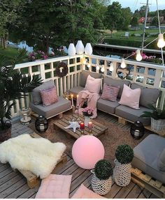 20 ideas for the small balcony 2019 page 13 of 19 - Balkon Design - Balcony Furniture Design Small Balcony Design, Small Balcony Decor, Patio Design, Balcony Ideas, Pergola Ideas, Patio Ideas, Garden Design, Garden Ideas, Apartment Balcony Decorating