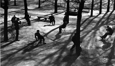 André Kertész: After school in the Tuileries, Paris 1928