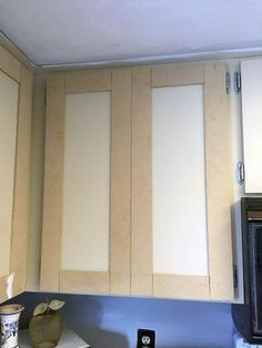 Update your laminate cabinets with classic shaker style doors. DIY your kitchen upgrade with this budget-friendly makeover. Easy project for beginners. Source by The post Make Shaker Kitchen Cabinet Doors on a Budget appeared first on Rosa Home Decor. Cabinet Door Makeover, Kitchen Cupboard Doors, Kitchen Cabinet Doors, Laminate Cabinet Makeover, Cabinet Hardware, Kitchen Cabinets On A Budget, Shaker Kitchen Cabinets, Shaker Kitchen Diy, Kitchen Backsplash