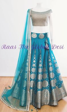 37 Best Bridal Blouse Designs photos by jeetudhakouliya Lehenga Choli Designs, Kurta Designs, Half Saree Designs, Bridal Blouse Designs, Indian Fashion Dresses, Indian Bridal Outfits, Indian Gowns Dresses, Dress Indian Style, Indian Designer Outfits