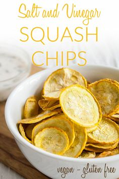 Salt and Vinegar Squash Chips (raw, vegan, gluten free) - These healthy dehydrated chips are a great alternative to potato chips. Perfect for gardeners! Canning Recipes, Raw Food Recipes, Keto Recipes, Snack Recipes, Jar Recipes, Freezer Recipes, Drink Recipes, Dehydrated Vegetables, Dehydrated Food