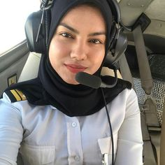 Niqab, Sports Hijab, Rebecca Ferguson, Female Pilot, Beautiful Muslim Women, Beautiful Girl Photo, Aesthetic Girl, Sexy Body, Girl Photos