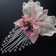 新作です ピンクのカトレアビーズコサージュ✨✨ #カザリ咲色 #ビーズ #ビーズフラワー #ビーズワーク #ハンドメイド #コサージュ #手芸 #ハンドメイドアクセサリー #カトレア #蘭 #ガーリー #ゴージャス #bead #beads #beading #beadwork #bijoux #beaded #beadedjewelry #orchid #cattleya #corsage #handmade #handmadejewelry #handcraft #handcrafted #kawaii #gorgeous #fashionaccessories #fashionjewelry @kazari_sakuiro
