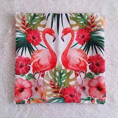 #lojavirtual #flamingos #capadealmofada #capaparaalmofada #almofada #decoracaocriativa #decoraçao #decoracao #decoracaodesala #presenteespecial #lojadepresentes #dicadepresente #decoracaoflamingo #flamingo #atacadoevarejo