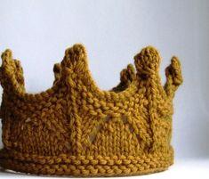 Couronne OR ANTIQUE tricot dentelle pour bébé - Plusieurs grandeurs disponibles - Pour jeux déguisements princesse fée fêtes