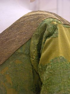 Mary of Burgundy's gown - shoulder seam - front closeup by taryneast, via Flickr