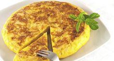 Essa receita simples e prática de omelete assado é uma delícia e serve até 6 porções, aprenda a fazer. Leia também: Omelete light: aprenda como fazer Receita de omelete verde de Omelete com rúcula e tomate seco Ingredientes: 6 ovos 1 xícara (chá) de leite 1/2 xícara (chá) de farinha de trigo Sal e pime