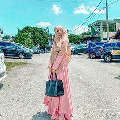 Niqab Fashion, Muslim Fashion, Fashion Dresses, Hijab Outfit, Dress Outfits, Face Veil, Muslim Dress, Dusty Pink, Beautiful Outfits