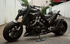 How to Make a Cruiser Motorcycle From coca-cola Cans Honda Motorcycles, Vintage Motorcycles, Cars And Motorcycles, Moto Bike, Cruiser Motorcycle, Hayabusa Streetfighter, Ducati Monster Custom, Monster Bike, Womens Motorcycle Helmets