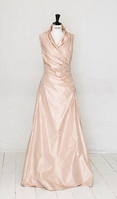elfenkleid: feel modern yet romantic One Shoulder Wedding Dress, Romantic, Wedding Dresses, Modern, Fashion, Gown Wedding, Wedding Dress, Curve Dresses, Bride Dresses