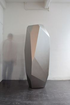 modern sculpture See Arik Levys People-Focused Creations at Design Shanghai - Artsy What Is Sculpture, Steel Sculpture, Modern Sculpture, Sculpture Art, Sculpture Romaine, Geometric Sculpture, Concrete Art, Ceramic Pots, Shape And Form