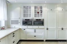Kitchen Cabinets, Eye Candy, Kitchens, Facebook, Home Decor, Kitchen Cupboards, Homemade Home Decor, Kitchen, Home Kitchens