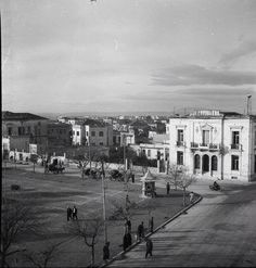 #larissa once upon Old Photos, Vintage Photos, Greek History, History Of Photography, Athens Greece, Historical Photos, The Past, Places To Visit, Street View