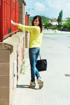 casual spring outfit. Lemon mood. Blue Jeans
