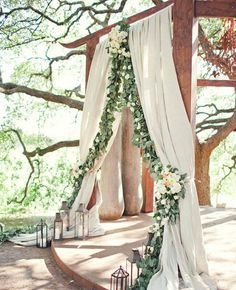 pretty idea....but the draperies are too thick and the flowers aren't quite right