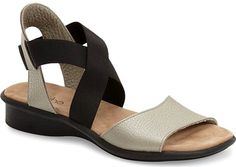 2e91837b12467 13 Comfortable Walking Sandals that Don t Sacrifice Style