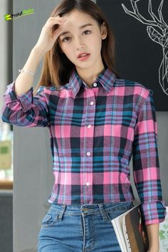 As fall weather sets in, it's time to break out th Casual Work Attire, Business Casual Attire, Casual Winter Outfits, Fall Outfits, Casual Fall, Street Style Women, Street Styles, Plaid Shirt Women, Womens Flannel
