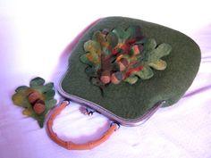 Felt bag oak leaves acorns green size 13.5 x 12 x 5 by RainbowWool