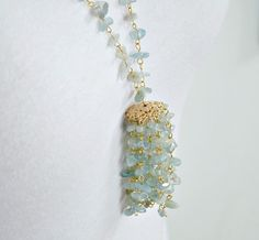 DIY tassel necklace using aquamarine stone chips and gold eye pins! So simple Diy Necklace, Tassel Necklace, Tassel Jewelry, Jewellery, Diy Tassel, Tassels, Diy Jewelry Inspiration, Jewelry Ideas, Handmade Jewelry Tutorials