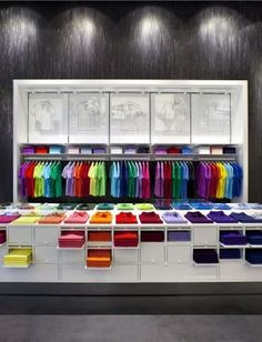 French lifestyle brand Lacoste has opened its worldwide first flagship store according to the new store concept in Hamburg. Gift Shop Displays, Clothing Store Displays, Shoe Store Design, Clothing Store Design, Lacoste Shop, Visual Merchandising Displays, Wear Store, Showcase Design, Mens Clothing Styles