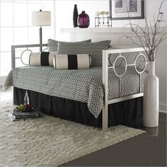 Day Bed Styles: Metal Day Beds