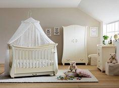 Παιδικό κρεβατάκι TULIP, χρώμα antique ivory.  Ένα κλασικό σχέδιο κούνιας που μετατρέπεται σε καναπέ. Συνδυάζεται με κουνουπιέρα από δαντέλα και σίγουρα ξεχωρίζει!