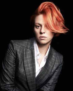 Ooh, La La Roux // i'm loving this hairstyle