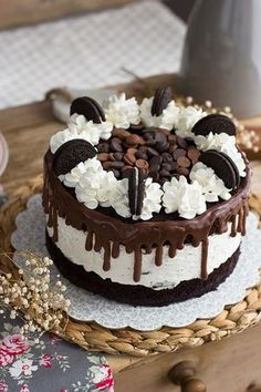 Oreo and Cheesecake Cake Cheescake Oreo, Cheesecake Cake, Oreo Torta, Oreo Cake, Oreos, Bolos Naked Cake, Cake Recipes, Dessert Recipes, Nutella Cake
