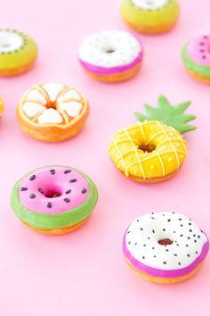 New birthday cupcakes diy cream cheeses ideas Mini Donuts, Cute Donuts, Donuts Donuts, Homade Donuts, Delicious Donuts, Delicious Desserts, Yummy Food, Macaroons, Bolo Tumblr