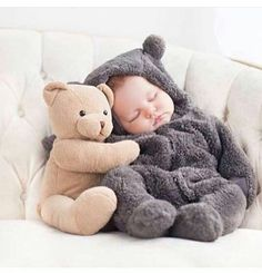 baby, cute, and teddy image Cute Little Baby, Baby Kind, Cute Baby Girl, Little Babies, Cute Babies Photography, Foto Baby, Cute Baby Pictures, Cute Baby Clothes, Funny Babies