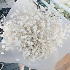 I'm in love with these 😩😖 Hand Flowers, Tulips Flowers, My Flower, Planting Flowers, Beautiful Flowers, Beautiful Pictures, Gypsophila Elegans, Bridesmaid Saree, Theme Pictures