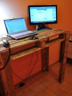 cheapass crate desk. $2