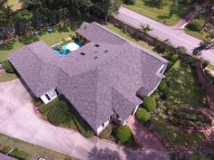 A GAF Camelot 2 Designer shingles roof installed by American Roofing & Construction with a 50 years warranty Porch Roof, Shed Roof, Patio Roof, House Roof, Roofing Options, Roofing Materials, American Roofing, Window Well, Cool Roof
