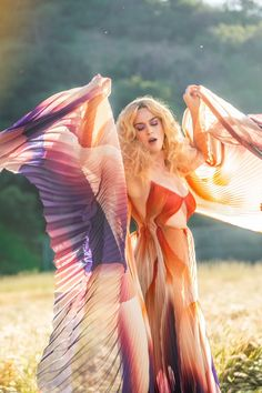 """Katy Perry, de Iris Van Herpen em """"Never Really Over""""You can find Katy perry and more on our website.Katy Perry, de Iris Van Herpen em """"Never Really Over"""" Katy Perry Wallpaper, American Idol, American Singers, Pop Singers, Female Singers, Famous Singers, Rihanna, Beyonce, Katy Perry Fotos"""