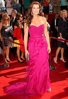 Brooke Shields wears a Badgley Mischka gown and Fred Leighton jewels to the 2008 Emmy Awards