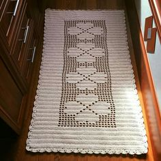Ayla Bozal's media content and analytics Crochet Table Mat, Crochet Tablecloth, Crochet Doilies, Crochet Bobble, Filet Crochet, Crochet Stitches, Crotchet Patterns, Table Runner Pattern, Crochet Decoration