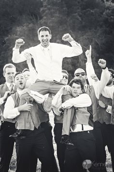 Fun Groomsmen = an awesome wedding day!! Chattanooga, TN Photography by: https://www.facebook.com/KenneyPhoto