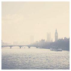 rivière de photographie, Londres, Londres thames, maisons du Parlement, photographie de paysage, voyage photographie, wanderlust, pastel, crème, gris
