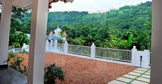 പ്രളയം, കൊറോണ; അതിജീവനത്തിന്റെ നേർസാക്ഷ്യമാണ് ഈ വീട്; കഥ ഇങ്ങനെ Dream House Plans, Small House Plans, Catholic Altar, Kerala House Design, Kerala Houses, Cute House, Traditional House, Survival, Living Room
