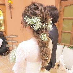 ウェディングドレスはずっと夢見ていた無造作なウェーブあみこみ… 長く伸びた髪を活かしたヘアスタイルです✨ 本当にお似合いでした❤️ @atelier_de_mariage_stylist  hair&make @natsumi_maki_12  @villas_des_mariages_ota  #ウェディング #結婚式 #ヘアメイク #ヘアアレンジ #ロングヘア #波ウェーブ #あみこみ #ダウンスタイル #無造作 #花嫁ヘア #ブライダルヘア #プレ花嫁 #かすみ草 #ナチュラルウェディング #ヴィラデマリアージュ太田