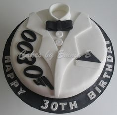 James Bond Cake, James Bond Party, 30th Birthday Cakes For Men, 50th Birthday, Birthday Ideas, Tuxedo Cake, Fathers Day Cake, Ice Cake, Wedding Cake Designs