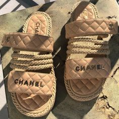 Cute Shoes, Me Too Shoes, Pretty Shoes, Chanel Slides, Shoes Sandals, Shoes Sneakers, Chanel Shoes Espadrilles, Chanel Outfit, Quilted Handbags