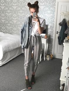 College Fashion and Teen Outfit Idea :- Wanderlust Fashion . Edgy Hipster, Hipster Pants, Hipster Outfits, Edgy Outfits, Mode Outfits, Retro Outfits, Grunge Outfits, Outfits For Teens, Fall Outfits