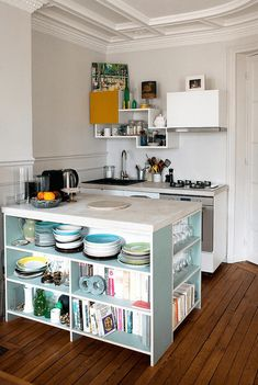The Best Interesting Tiny Kitchen Design Ideas For Small Space Small kitchen design ideas can be a solution for you who want to make a kitchen in a minimalist home. Usually today many people make houses with small. Small Kitchen Storage, Small Space Kitchen, Compact Kitchen, Smart Kitchen, New Kitchen, Small Spaces, Smart Storage, Kitchen Organization, Creative Storage