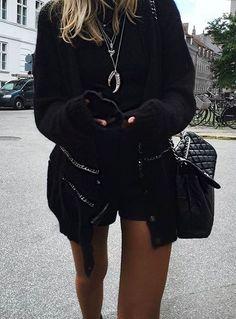 vale fuzzy sweater//pinterest: juliabarefoot