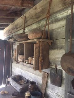 Porch Decorating, Interior Decorating, Viking House, Earthship Home, Old Cabins, House Cladding, Homestead House, Cabin Interiors, Tiny House Cabin