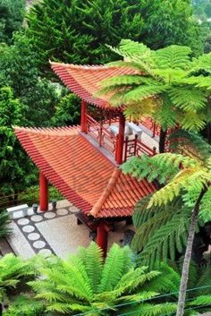 This could be located in Japan, but those tropical plants betray it: Madeira (Portugal) is home to the Jardim Monte Palace, a Japanese garden designed only two decades ago. In spite of its Japanese palaces or Buddhist sculptures, the Portugese influence also make itself known. An unmissable odd mix in Madeira!